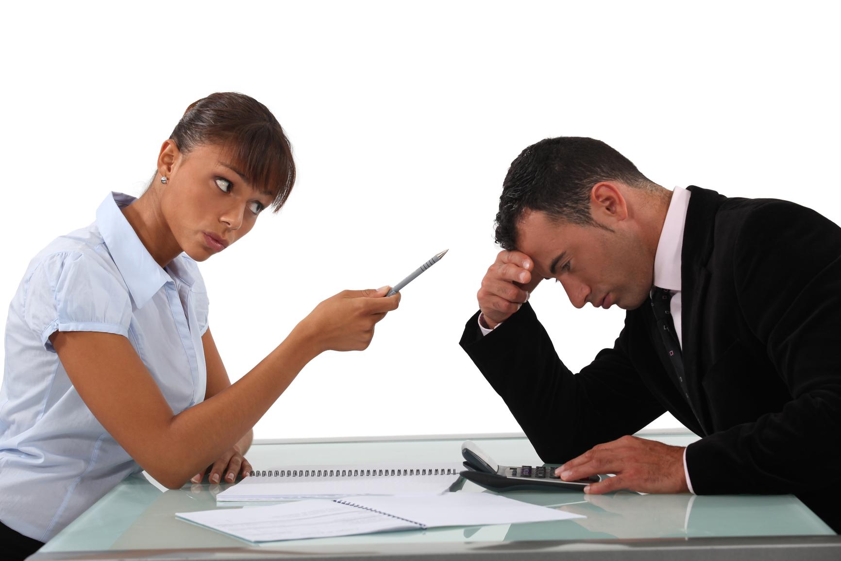 Приказ на дисциплинарное бухгалтеру за невыплату компенсации в доу