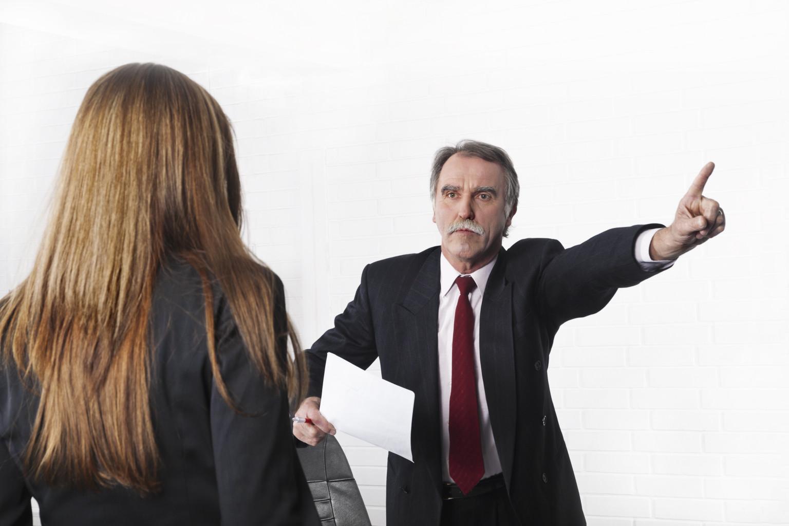 Могут ли уволить беременную с госслужбы